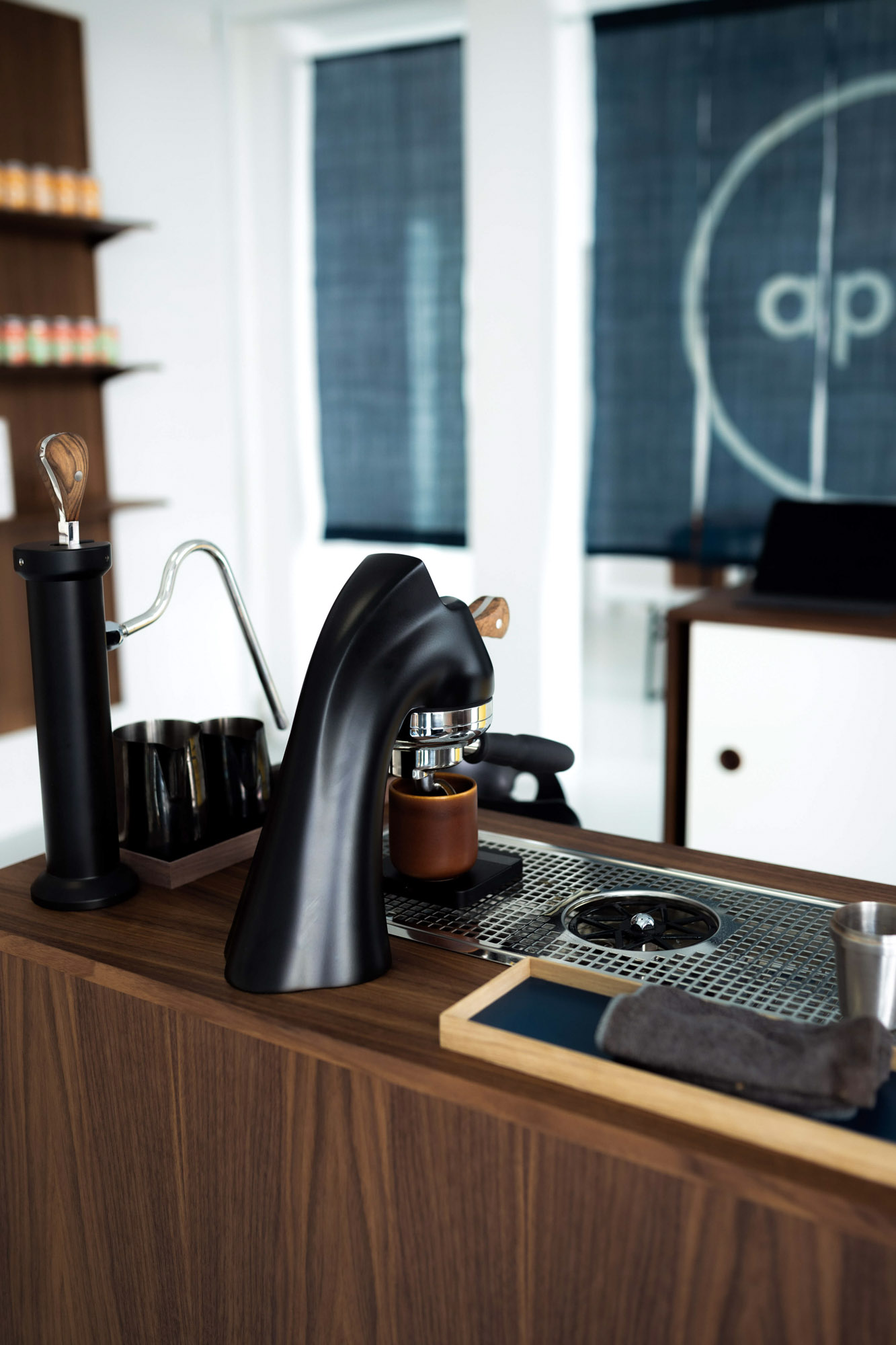 April coffee roasters coffee bar