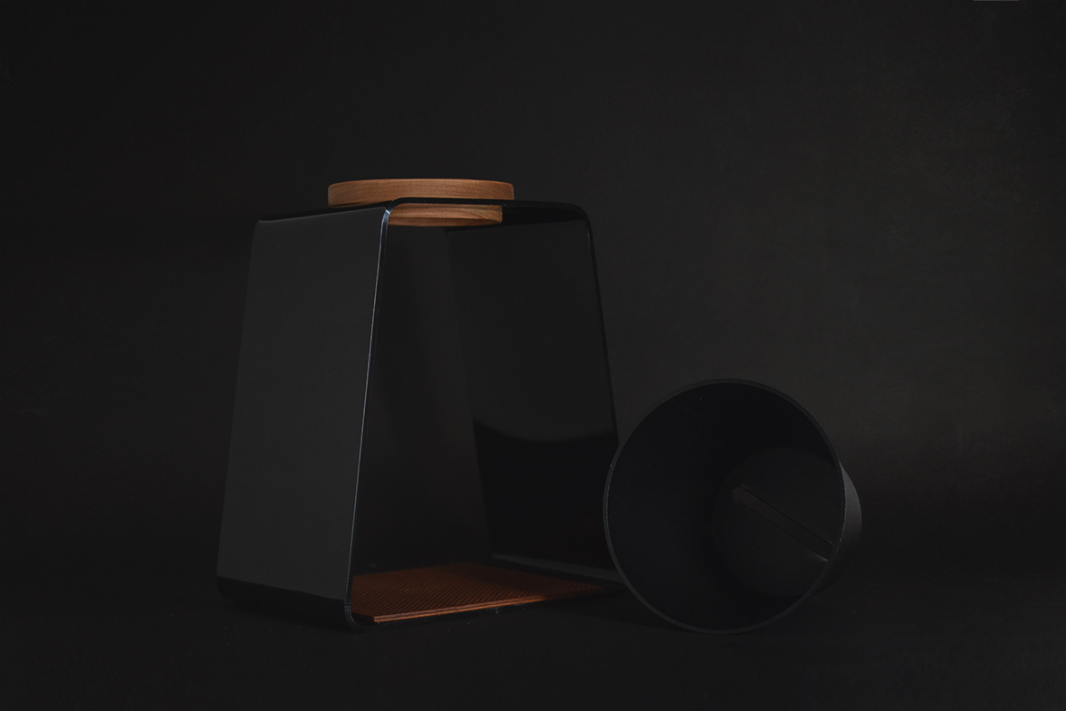 Aika coffee dripper and stand